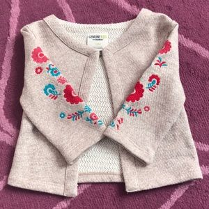 Pretty toddler girls top with flower